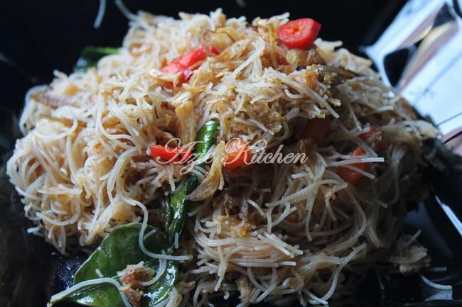 Mee Hoon Goreng Azie Kitchen
