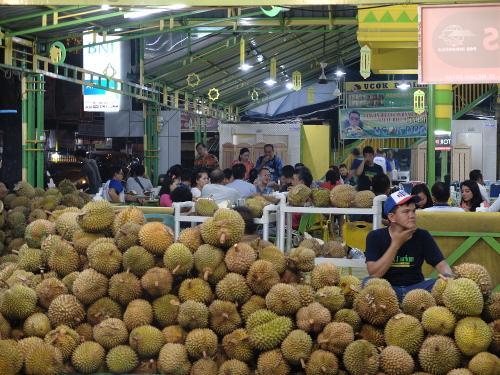 the story of food ucok durian in medan english rh lisapurnamasari blogspot com