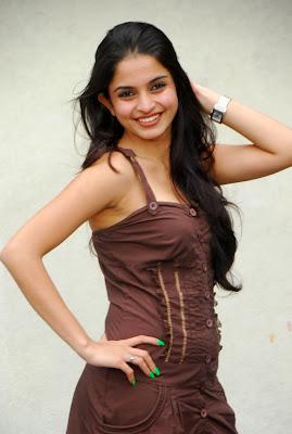Actress ileana as teacher - 2 3