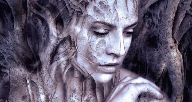 Aynadaki Akis, Kadın, Dilsiz