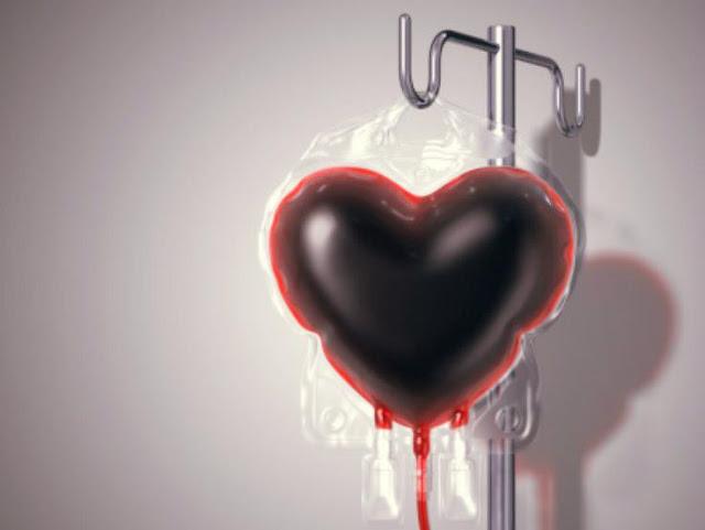 bolsa de doação de sangue em formato de coração