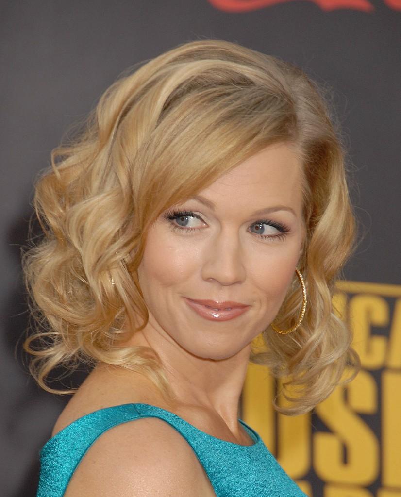 Medium Length Wavy Hairstyles For Blonde Hair 2011 ~ Prom ...