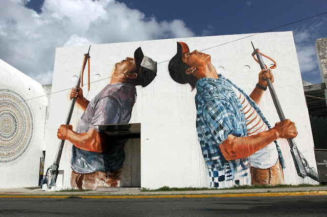 After bringing you some exclusive images a few days ago, Fintan Magee has now wrapped up his piece for PangeaSeed and SeaWalls in Cozumel, Mexico.