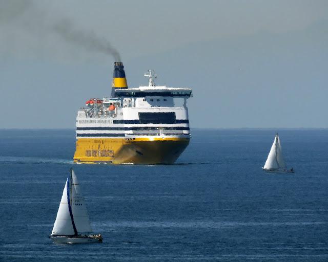 Ferry Mega Smeralda, IMO 8306486, Livorno