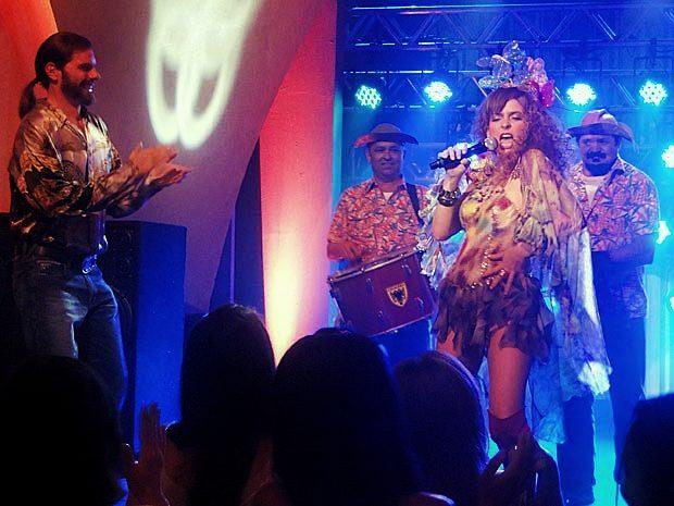 Chayene Cantando Novela Cheias de Charme Rede Globo