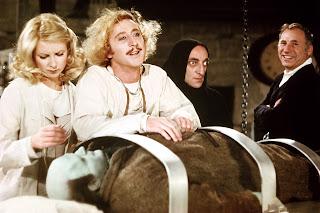 Mel Brooks y Gene Wilder durante el rodaje de El jovencito Frankenstein