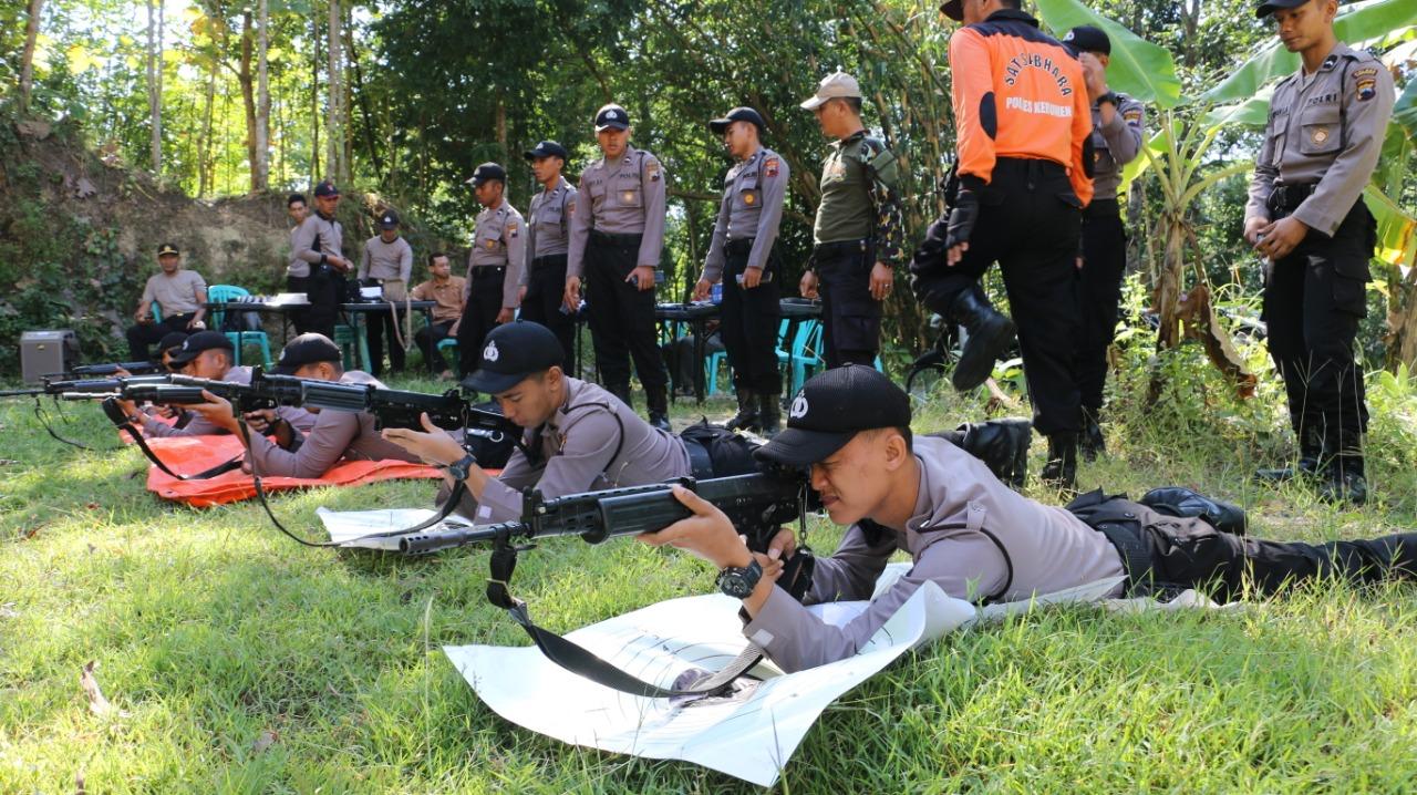 Jelang Pengamanan Lebaran, 50 Polisi di Kebumen Ikuti Latihan Menembak Senjata Laras Panjang