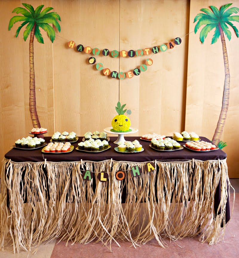 Tanner S Hawaiian 1st Birthday Bash Pineapple Head Cake