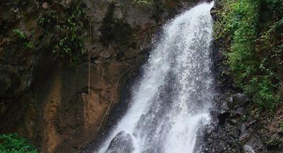 Dusun Kuning Waterfall