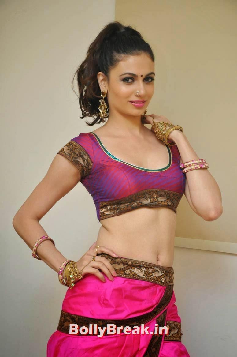 , Miss India Simran Kaur Mundi Navel Photos