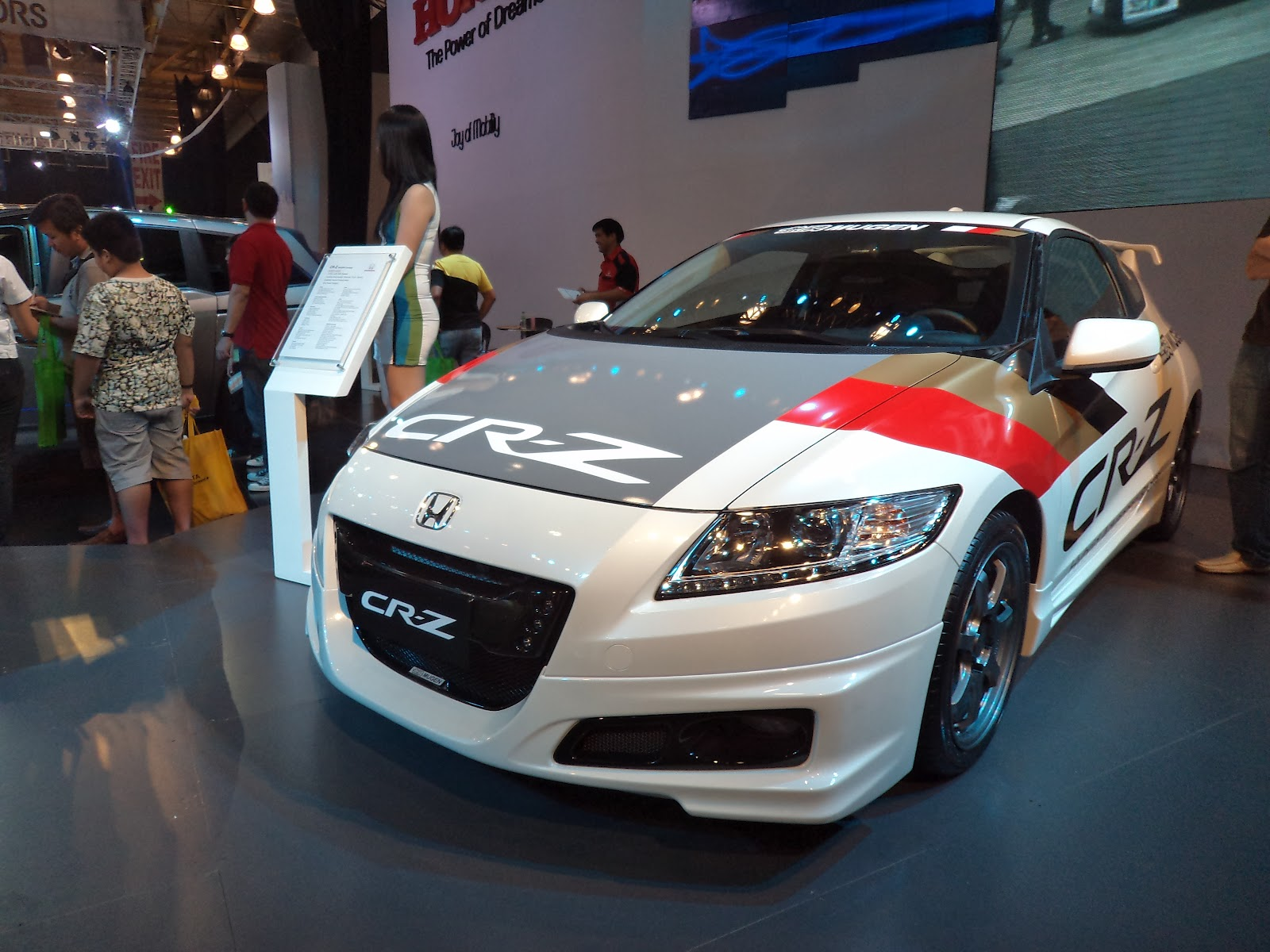 The Ultimate Car Guide Used Car Review Honda Cr Z 2013 2016