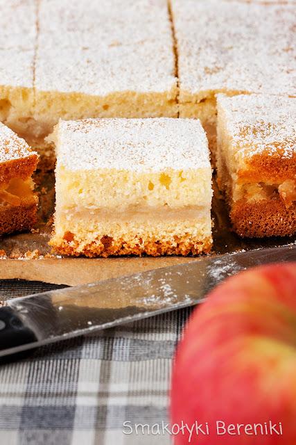 Ciasto przekładane z jabłkami