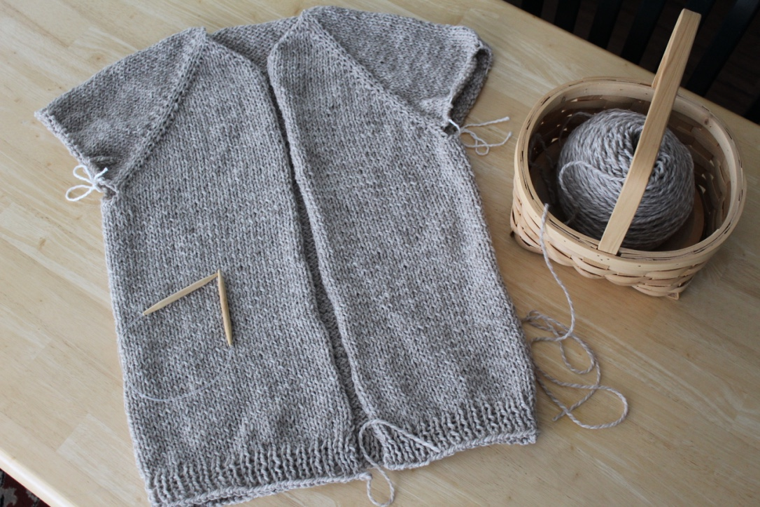 de37ac4d5 figknits  Knitting the Top-Down Raglan Cardigan