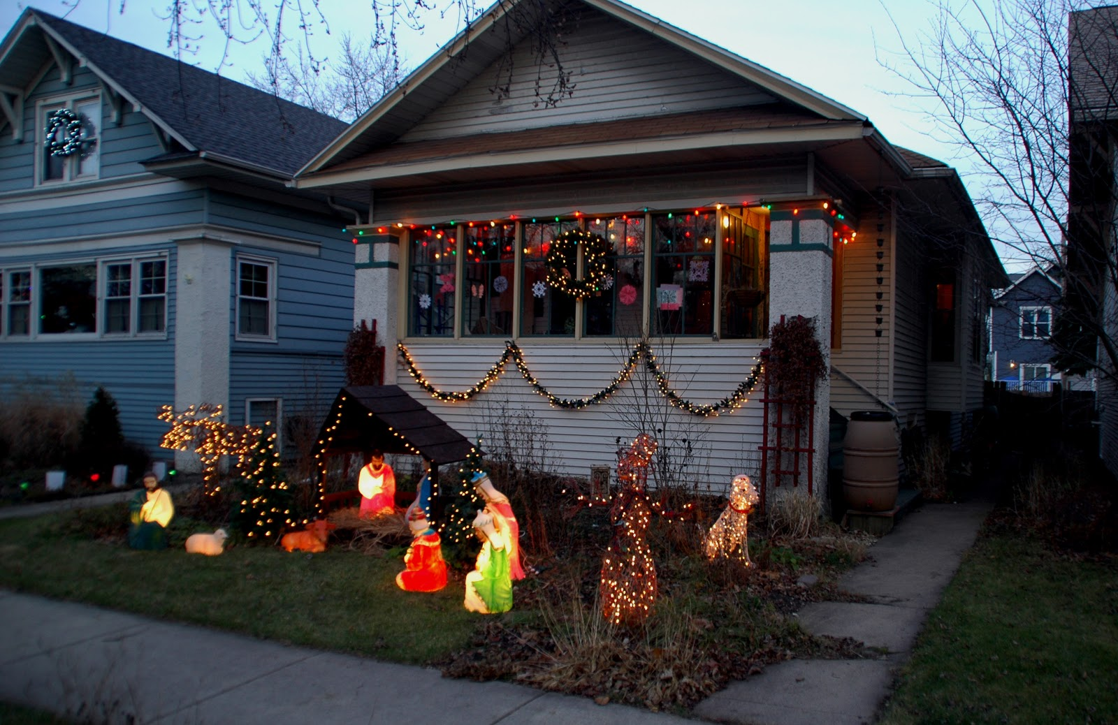 Our Tiny Oak Park Bungalow Christmas Decorations 2012