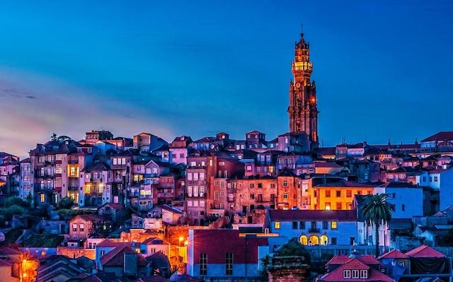 Torre dos Clérigos em Porto