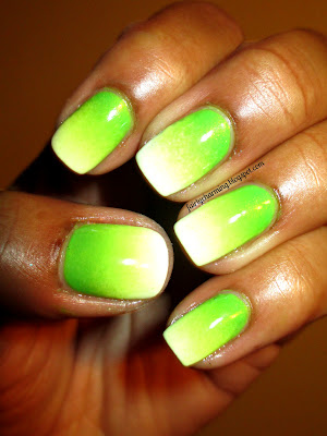 Wet n Wild Nerd Alert Screech, ombre, gradient, green, lime green, bright, neon, sponge, nails, nail art, nail design, mani