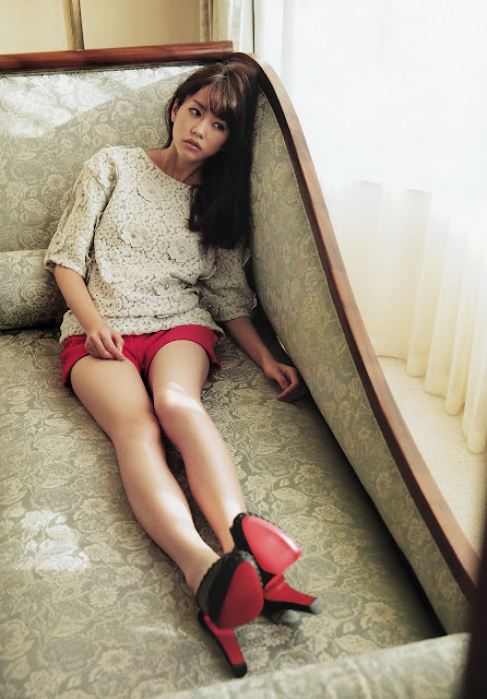 Mirei Kiritani 桐谷美玲 Big Comic Spirits No 8 2013 Pics