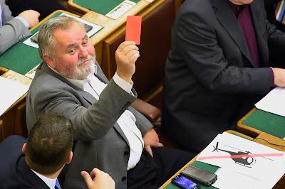 alaptörvény, alkotmánymódosítás, kvótareferendum, magyar ellenzéki pártok, Magyarország, Orbán-kormány, MSZP, Gőgös Zoltán