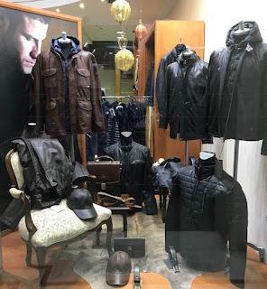 Μοδάτες και κλασσικές επιλογές σε γυναικεία και ανδρικά παλτό d74cac8913c