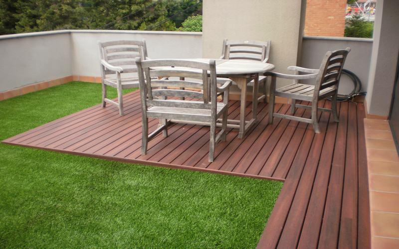 Jard n en una terraza o azotea guia de jardin for Terrazas cerradas con madera