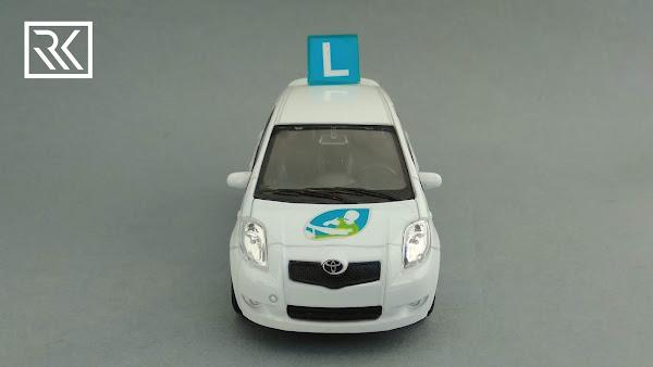 Welly Toyota Yaris II, Nauka Jazdy