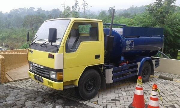 Juru sedot wc Bangsal Mojokerto, Jawa timur Truck Tangki