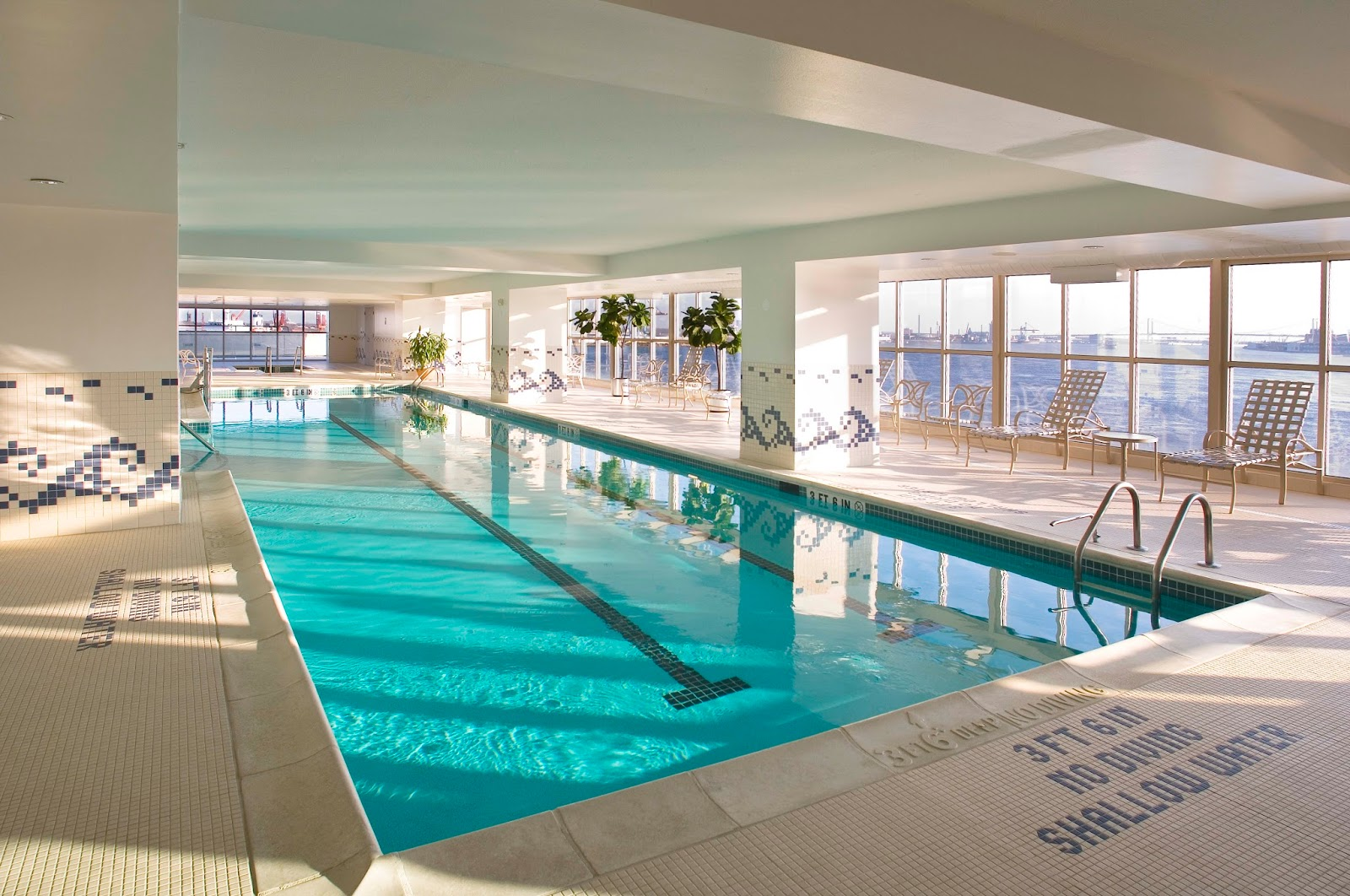 10 OF THE MOST AMAZING INDOOR SWIMMING POOLS Crack Two