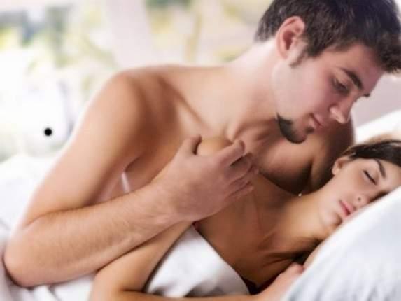 Vòng một căng tràn nhờ chồng biết cách 'yêu' - Ảnh 1