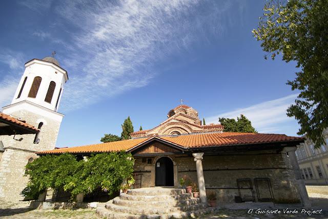 Iglesia Santa Madre de Dios Peribleptos (exterior), Ohrid - Macedonia por El Guisante Verde Project
