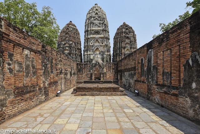 Wat Si Sawai, Sukhotai, main vihan