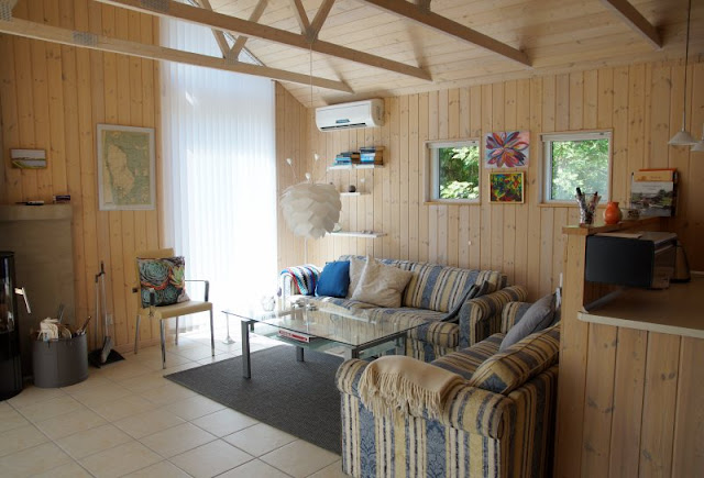 Ferienhaus-Urlaub mit Abwechslung: Ein Ferienhaus mit Aussicht und eins in der Idylle. Unser 2. Haus in Stauning war hell und typisch skandinavisch eingerichtet.