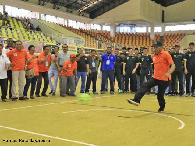 Benhur Tomi Mano Buka Kompetisi Futsal Nasional di Papua
