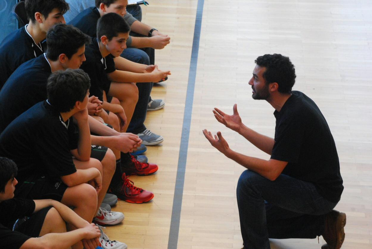Resultado de imagen para entrenador de baloncesto