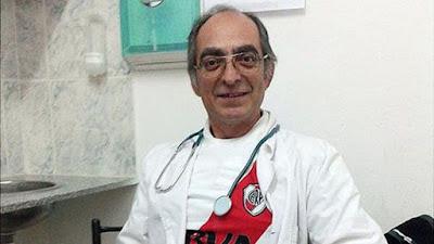 El médico argentino que trabajó 39 días de guardia porque no tenía remplazo y fue felicitado por el presidente Macri