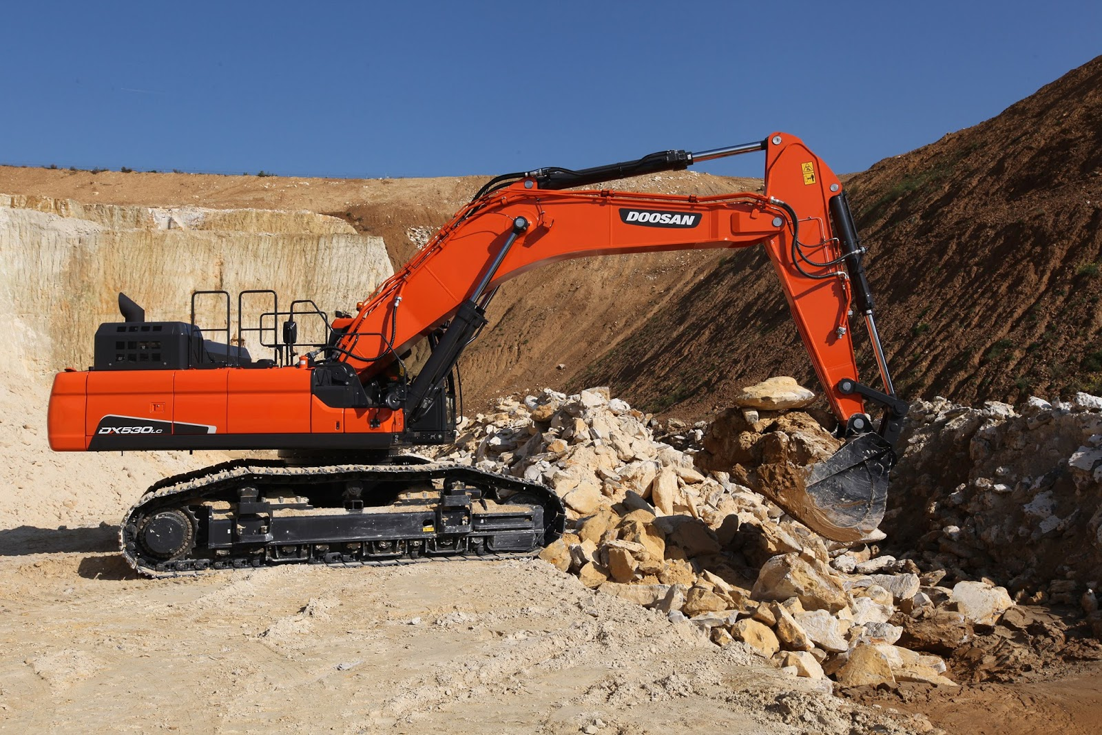 Doosan Heavy Industries & Construction 165903-1-eng-GB_doosan-dx530lc-5