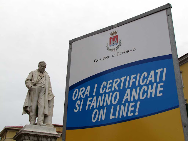Cavour, sign about certificates on-line, piazza Cavour, Livorno