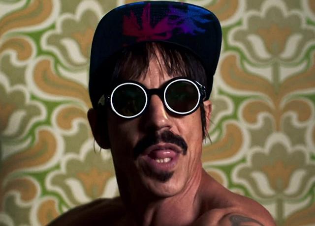 Video: Red Hot Chili Peppers - Dark Necessities