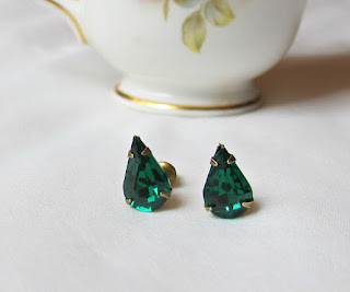 image emerald green vintage glass earrings jewellery jewelry two cheeky monkeys handmade teardrop pear