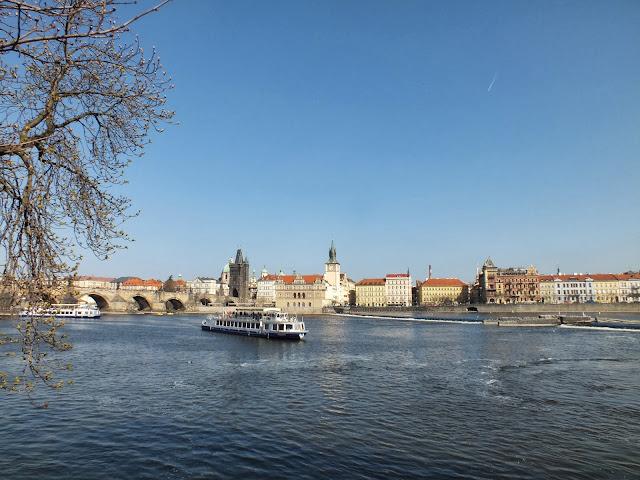 Vistas del puente de Praga