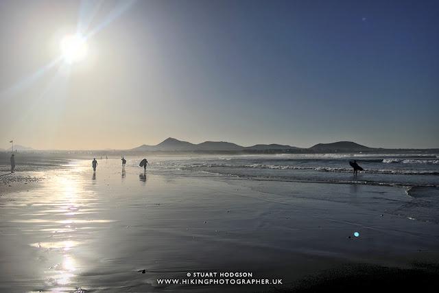 Surfing in Famara, Lanzarote, Lanzasurf, Surf lessons