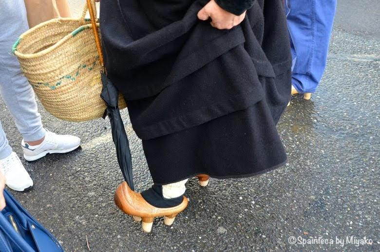 Fiesta de la Trashumancia Madrid  行進中に見せてくれた装飾の素晴らしい木靴