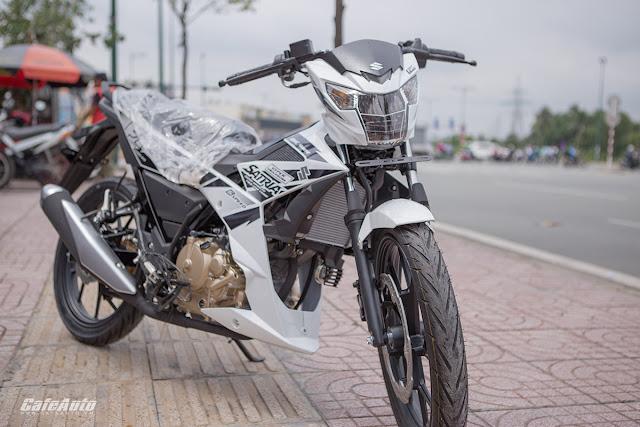Sơn xe Suzuki Satria màu trắng cực đẹp