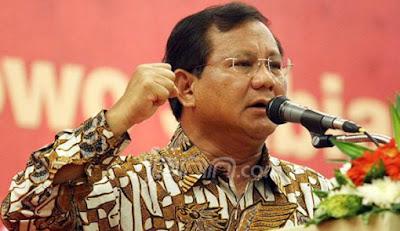 Prabowo Tampung Kader Golkar