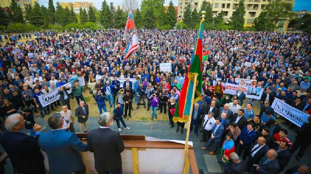 Manifestación de Bakú exige guerra en Karabaj