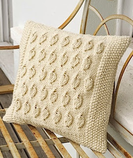 http://translate.googleusercontent.com/translate_c?depth=1&hl=es&prev=search&rurl=translate.google.es&sl=en&u=http://www.craft-seller.com/aran-cushion/copyright-free-knitting-tutorial-cream-aran-cushion&usg=ALkJrhgVWNnFfzenS-i8fDKvYk-BD-N1VA
