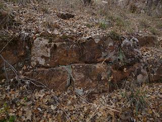 La Cava. Base de la muralla