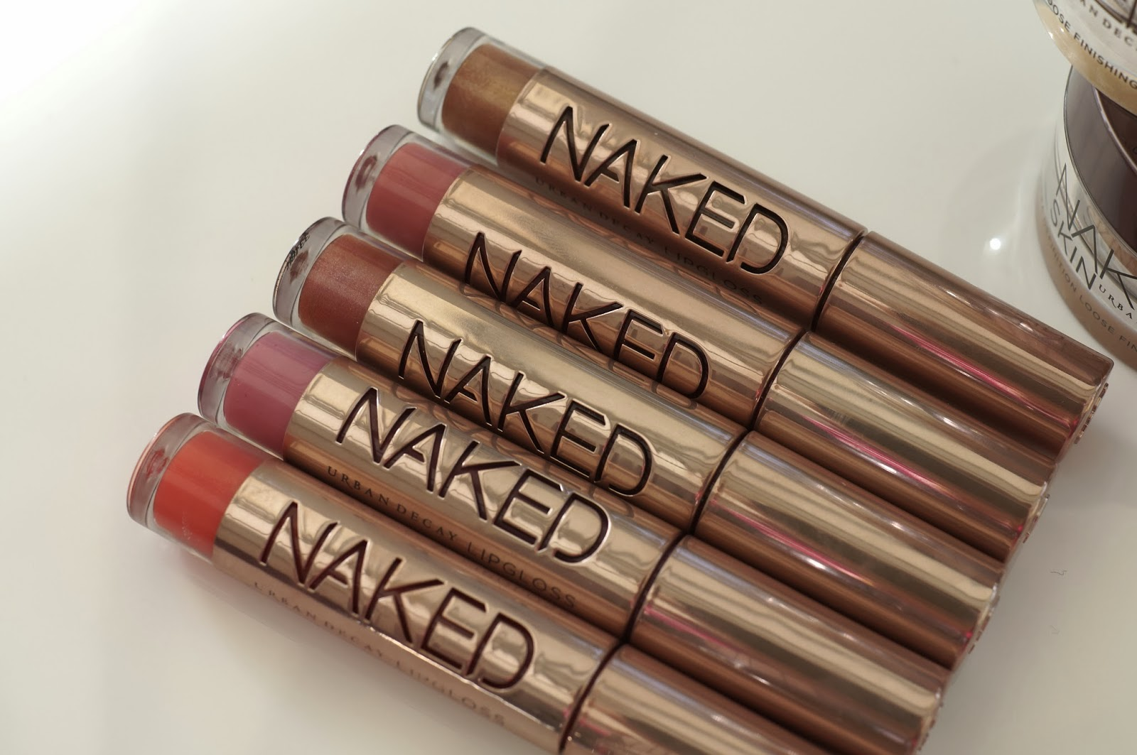 Naked Ultra-Nourishing Lipgloss