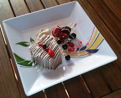 Panacota De Chocolate Con Frutos Rojos