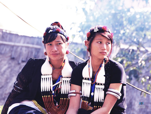 Naga_women_traditional_attire_ornaments