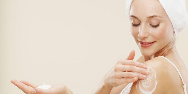 Tips Menggunakan Body Lotion Yang Aman Untuk Kulit